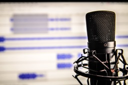 20 of My Favourite Podcasts (AKA Podcasts that WILL Change Your Life)